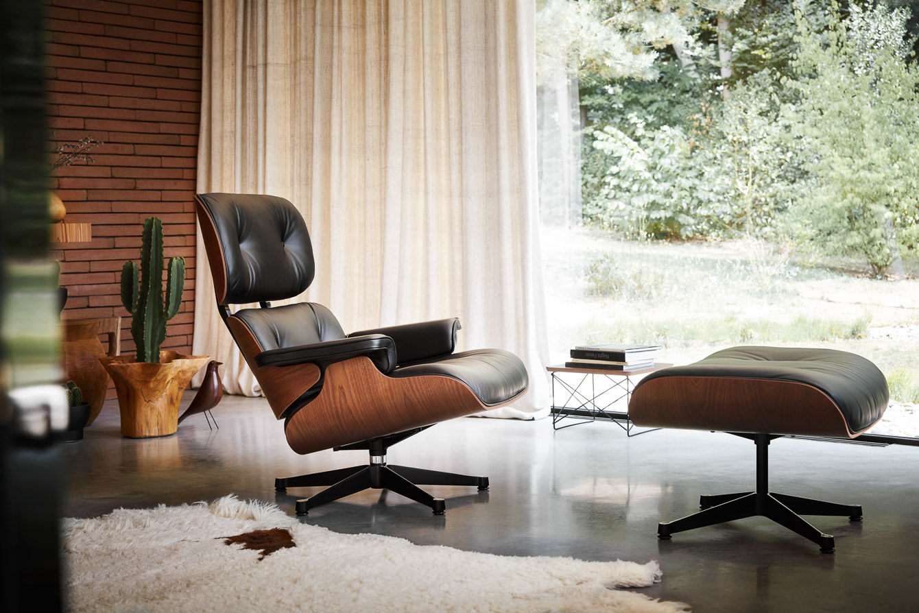 AD_Lounge Chair Ottoman Mahogany LTR Eames House Bird Walnut_2401010_master